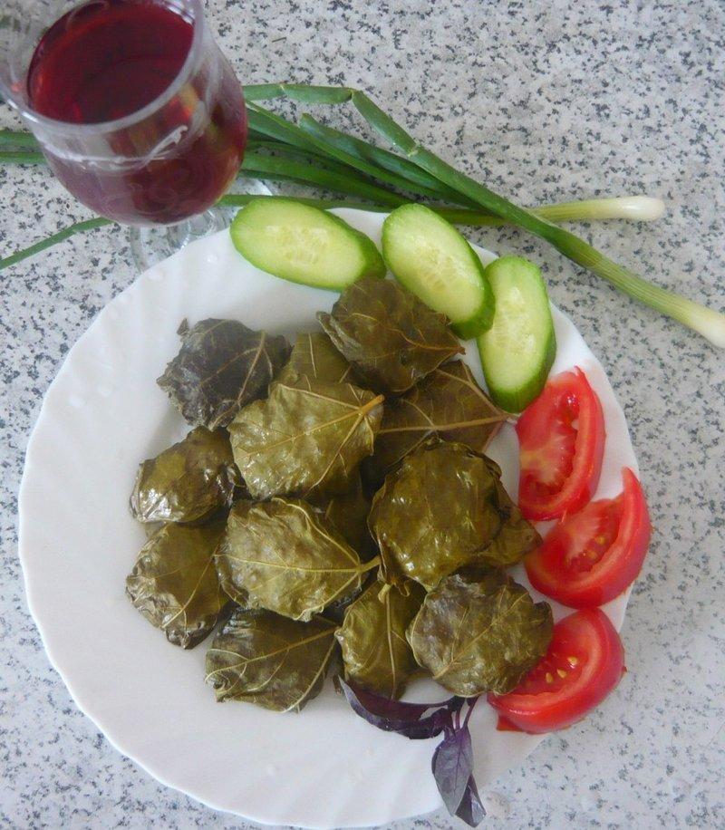 Долма в виноградных листьях рецепт с пошагово листья