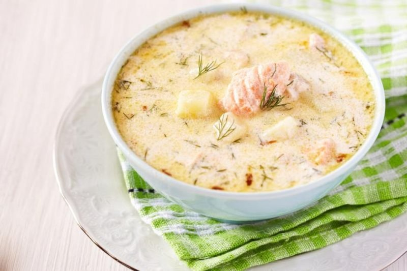 Финский суп со сливками и лососем