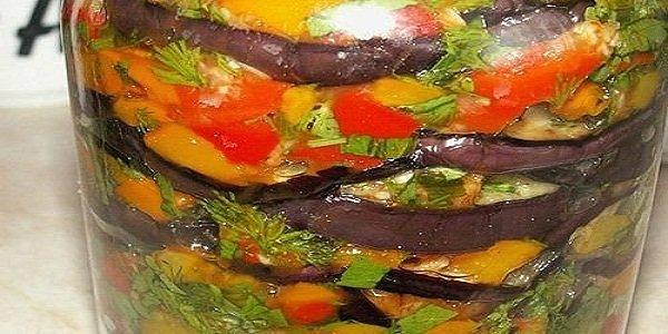 Салат слоями из баклажанов