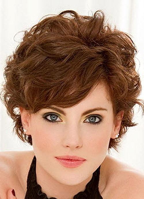 Стрижки для вьющихся волос по 45