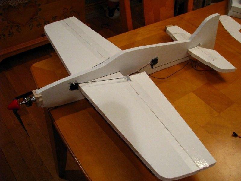 Сделать сам самолет с моторчиком своими руками 556