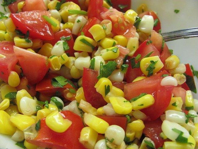 Салат из кукурузы огурцов помидоров и яиц