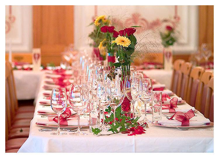 Декор столов на свадьбу своими руками 2