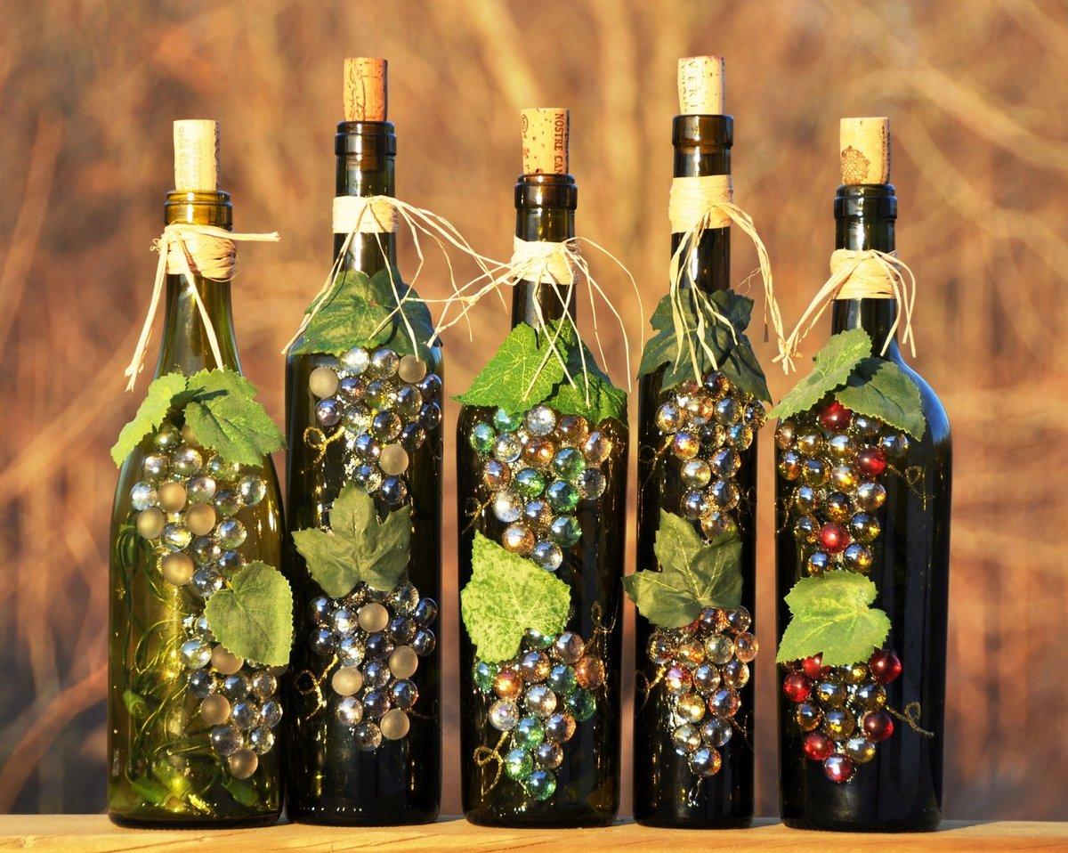 Декор бутылок виноградной гроздью