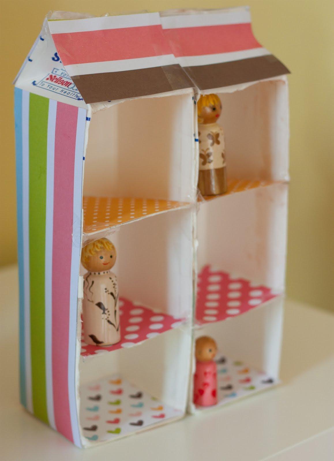 Как сделать кукольный домик из коробки своими руками 63