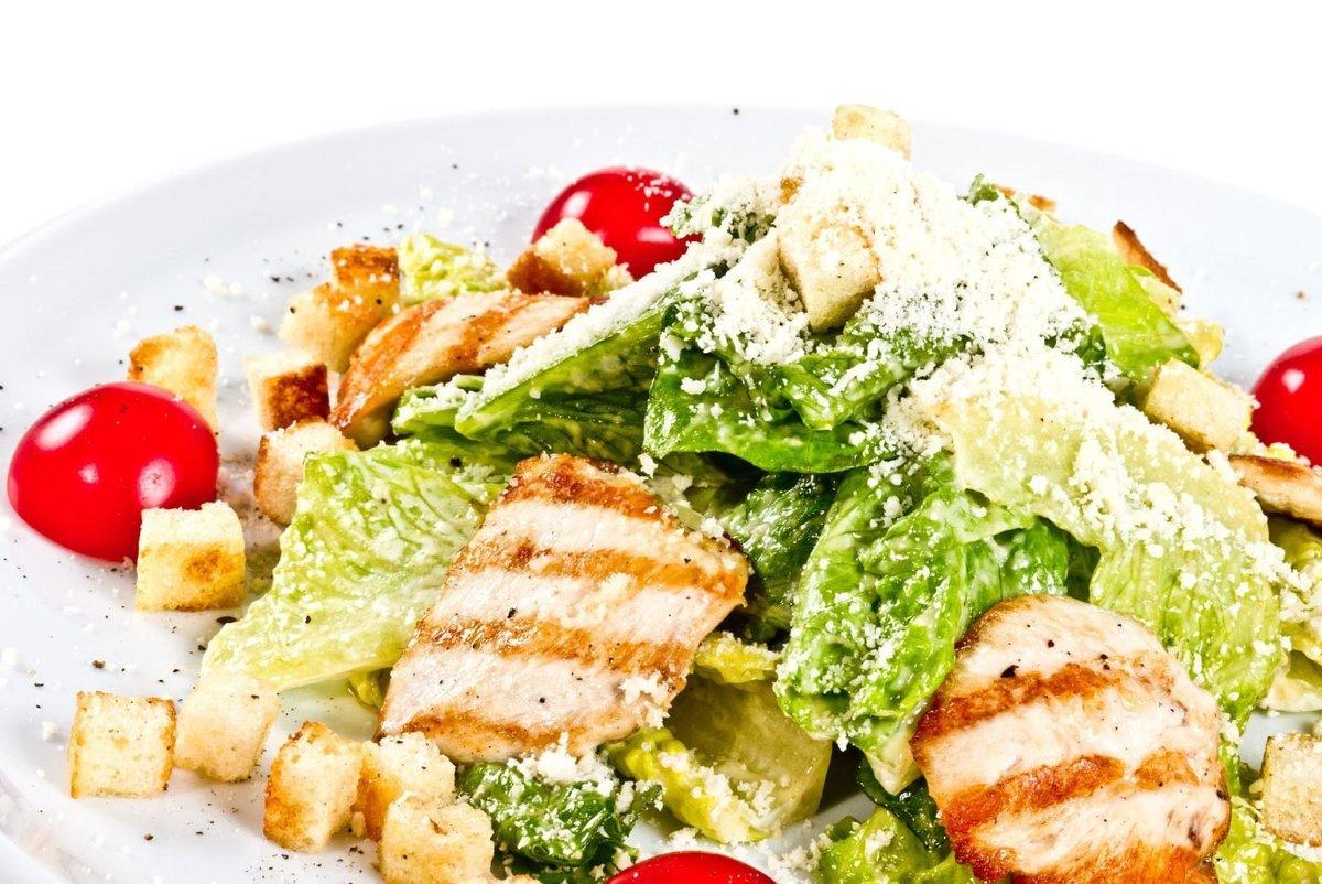 Как приготовить салат цезарь с курицей в домашних условиях