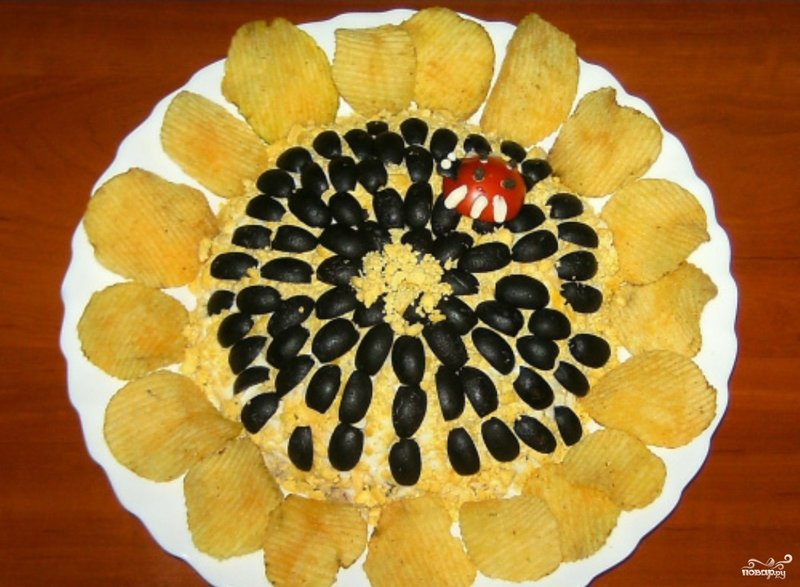 Салаты подсолнух с чипсами рецепт с пошагово