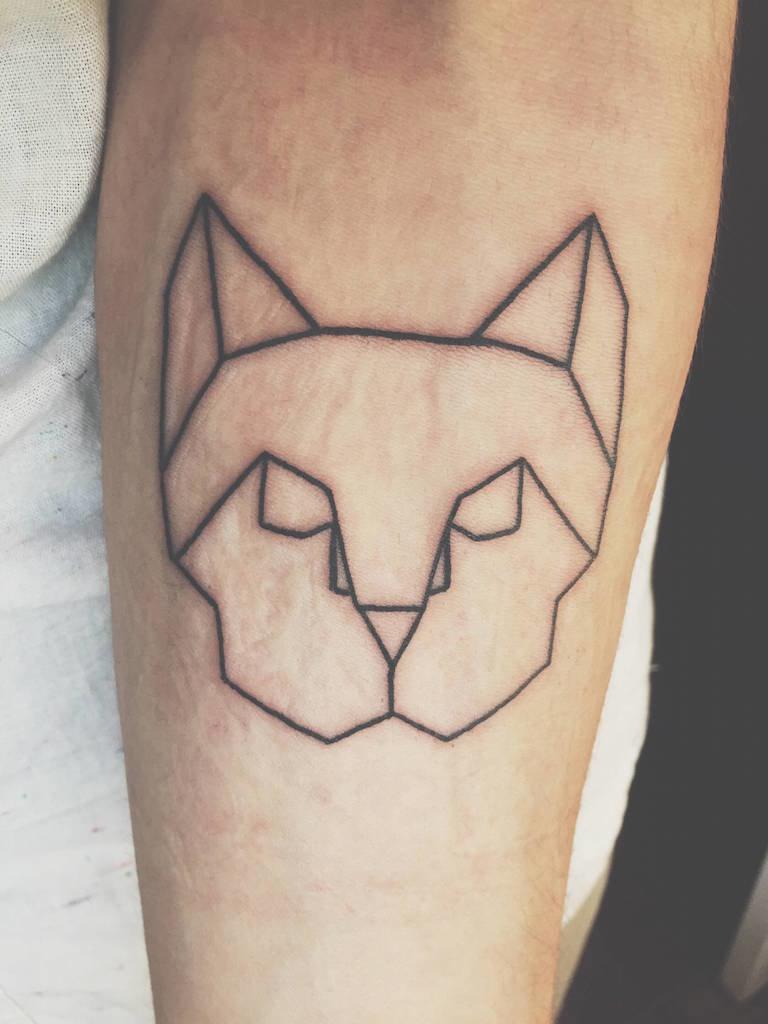 Как называется стиль тату с геометрическими фигурами