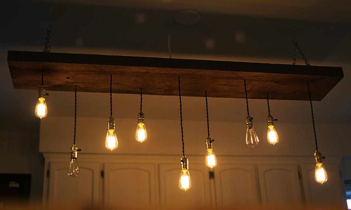 Лампочки на проводе в интерьере фото