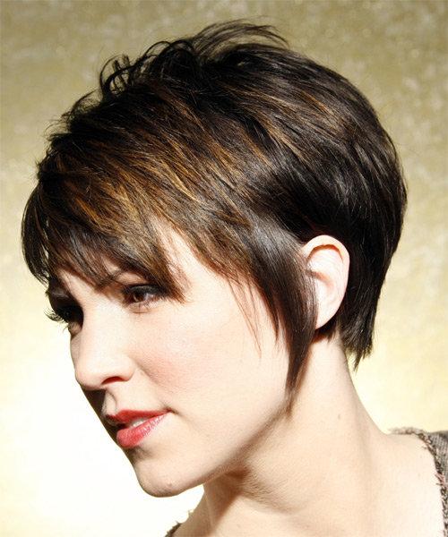 Короткие стрижки для густых волос и круглого лица женские