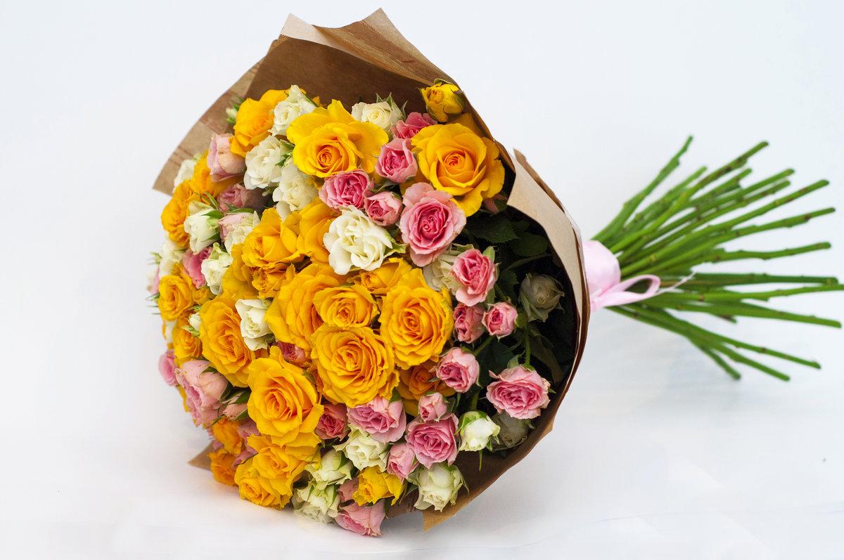 Составление букетов из живых цветов 98