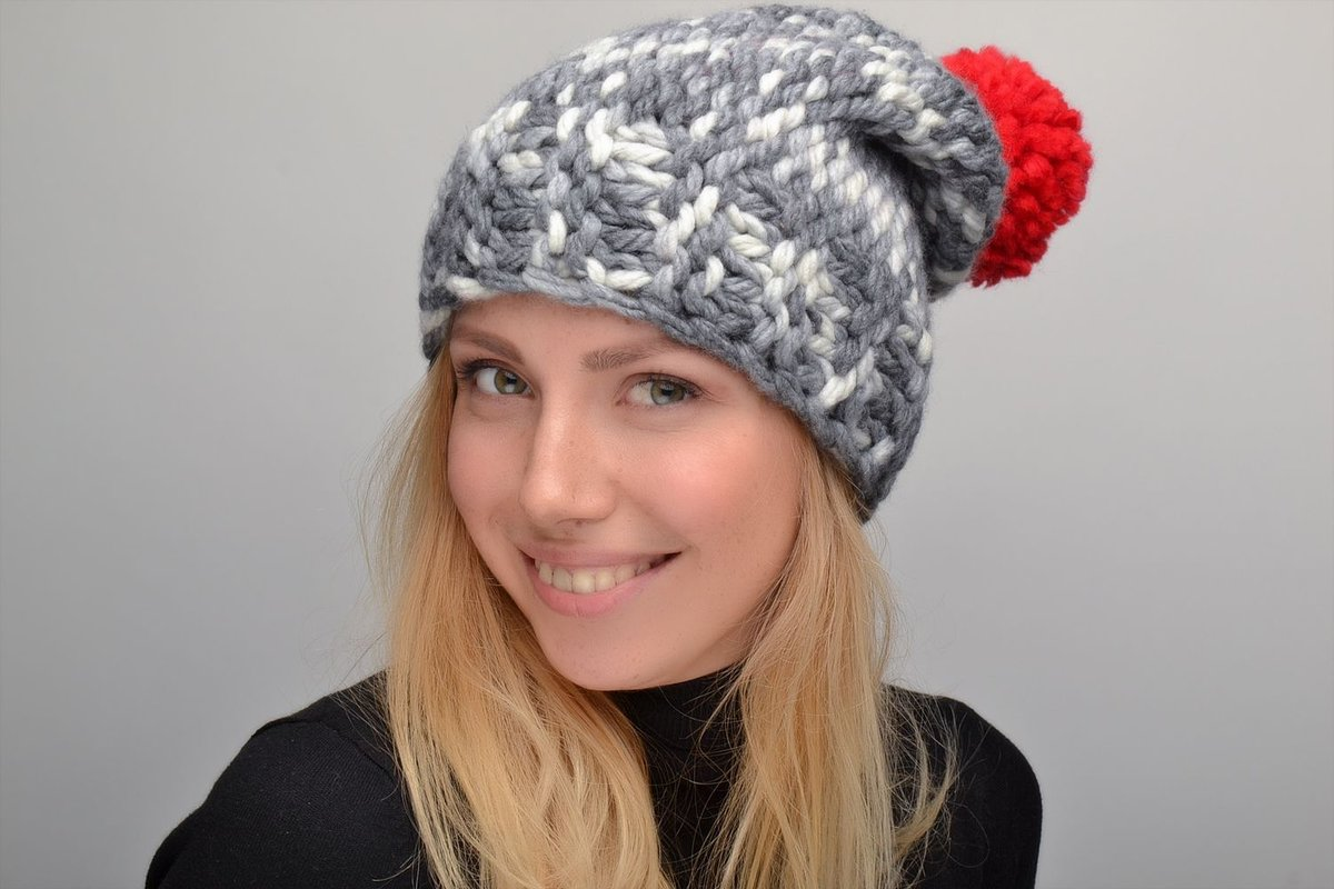 Вязание крупными спицами шапка 59