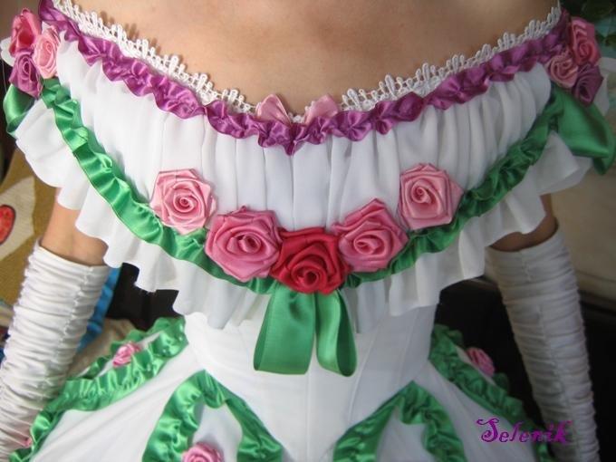 Украсить платье атласными лентами своими руками