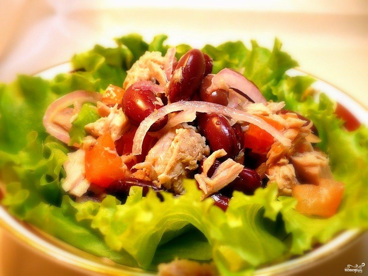 Рецепт салата с консервированным тунцом