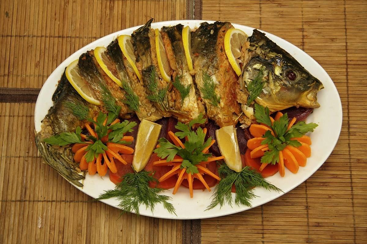 Карась фаршированный рисом в духовке рецепт пошагово