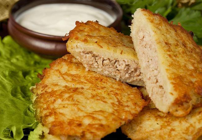 Драники с мясом на сковороде рецепт с пошагово