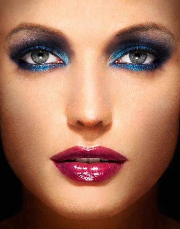 Вечерний яркий синий макияж