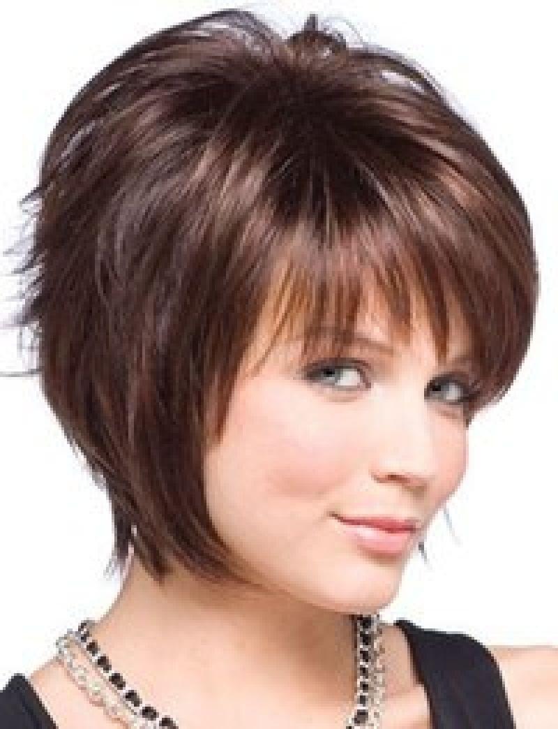 Стрижка каскад на на короткие волосы с челкой женские