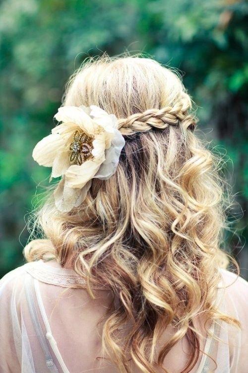 Причёска с косами и цветами