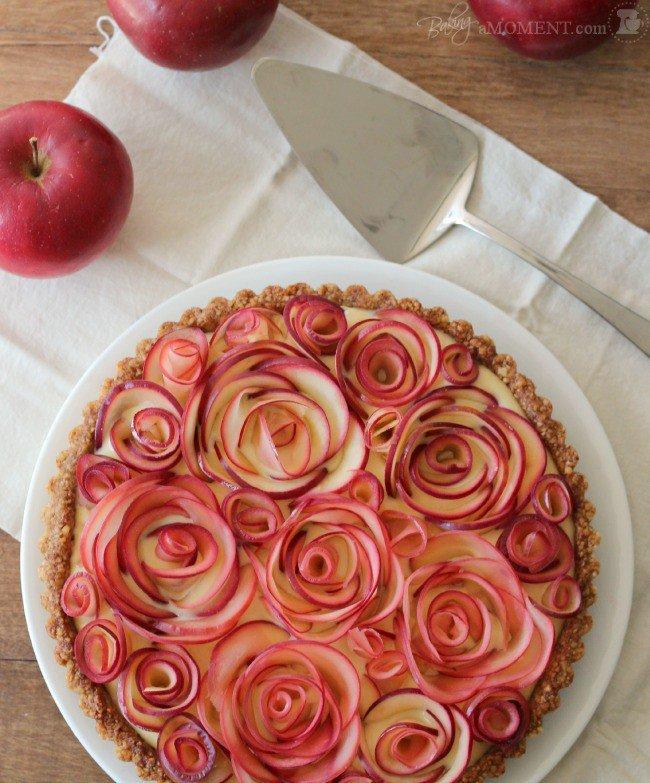 Как украсить пирог яблоками