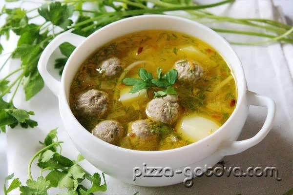 Красный суп с фрикадельками