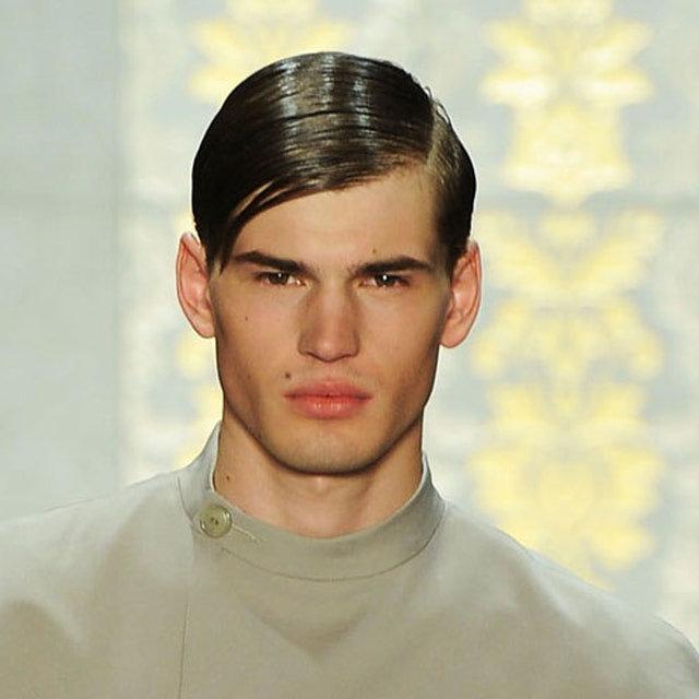 Прически для волос с челкой мужчинам