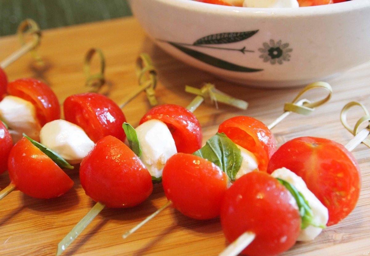 Закуски с моцареллой рецепты с фото