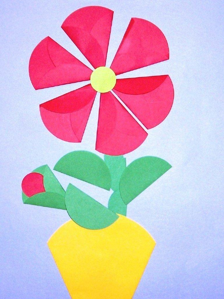 Сделать своими руками цветок из цветной бумаги7