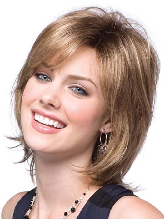 Фото стрижки лесенка на короткие волосы без челки