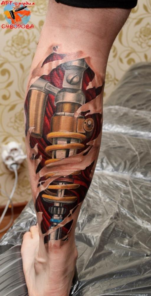 Тату эскиз биомеханика на ноге