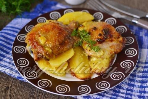 Картошка с курицей в духовке с майонезом рецепт с пошагово