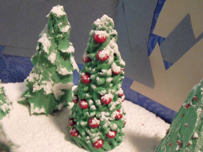 Зимние поделки с подручных материалов