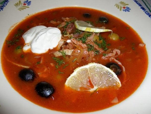 Солянка сборная мясная классическая рецепт с каперсами