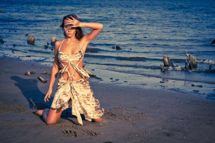 Фото девушки на пляже идеи
