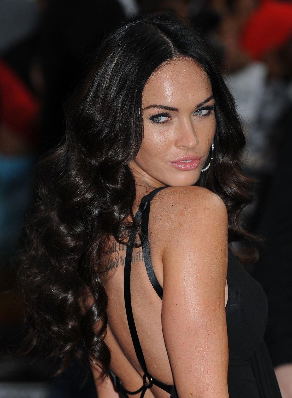 Фото причёски на длинных чёрных волосах