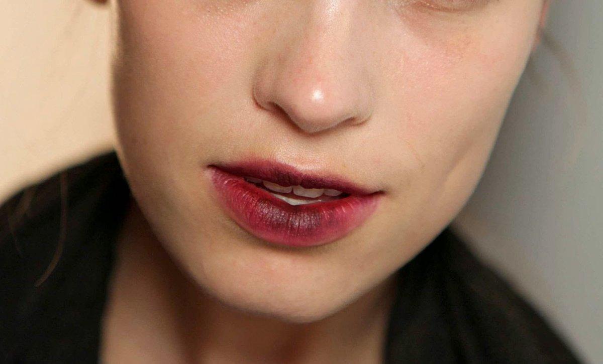 Как сделать губы темнее