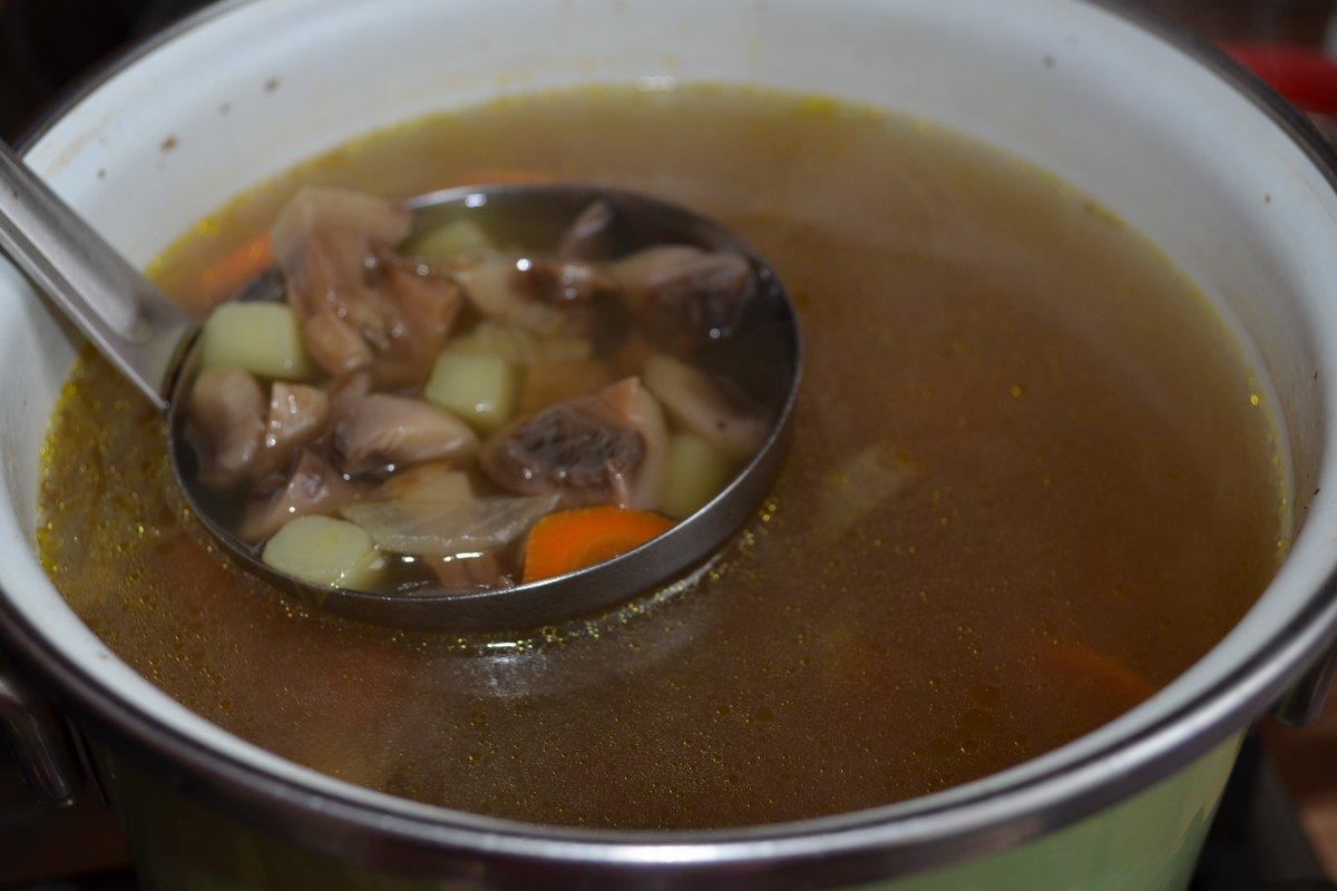 Как приготовить суп из сушеных грибов рецепт пошагово