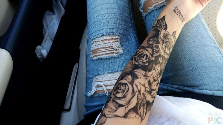Женские тату на руке розы
