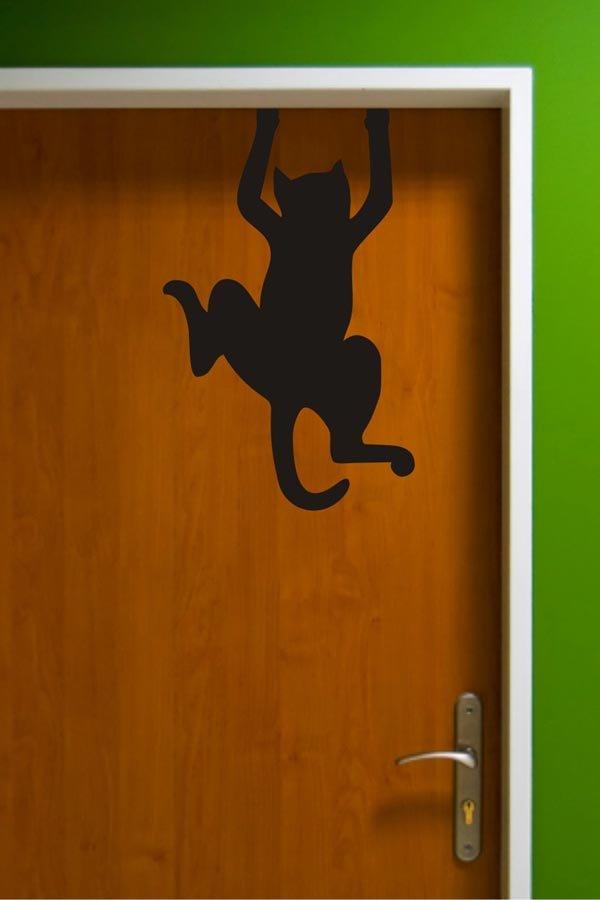 Кошка рисованная яркая