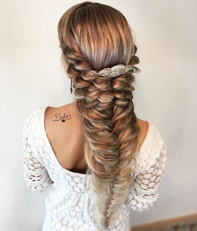 Причёска каприз на длинные волосы