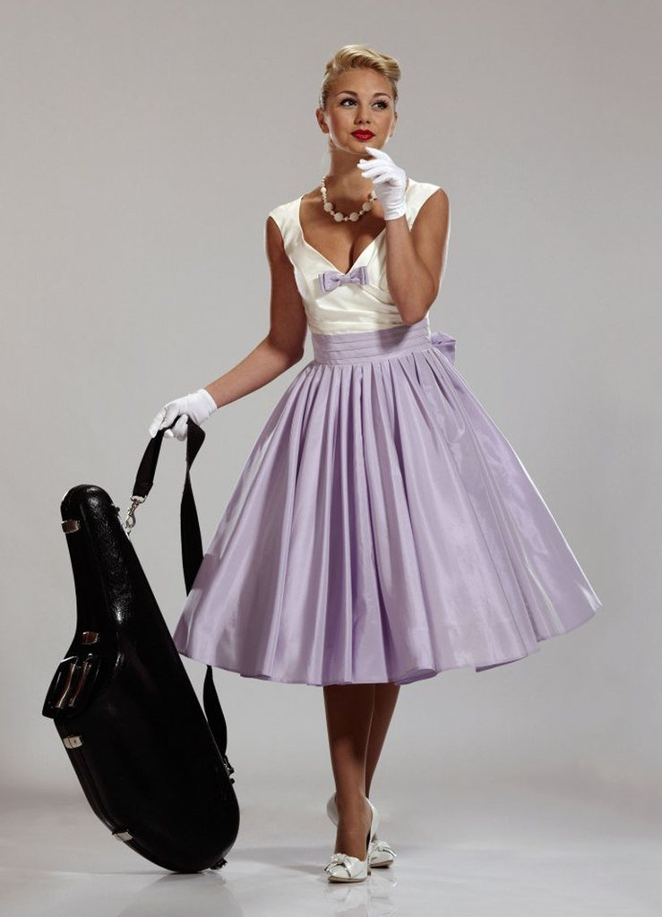 Платье в стиле 60-х годов