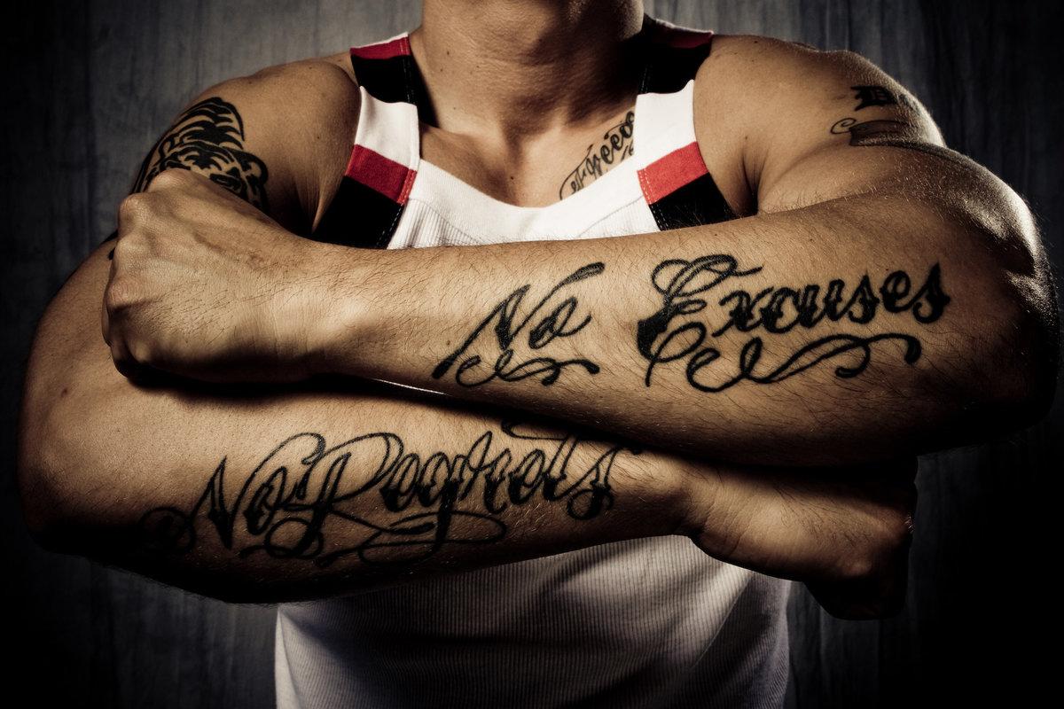 Фото тату надписей на руке мужские