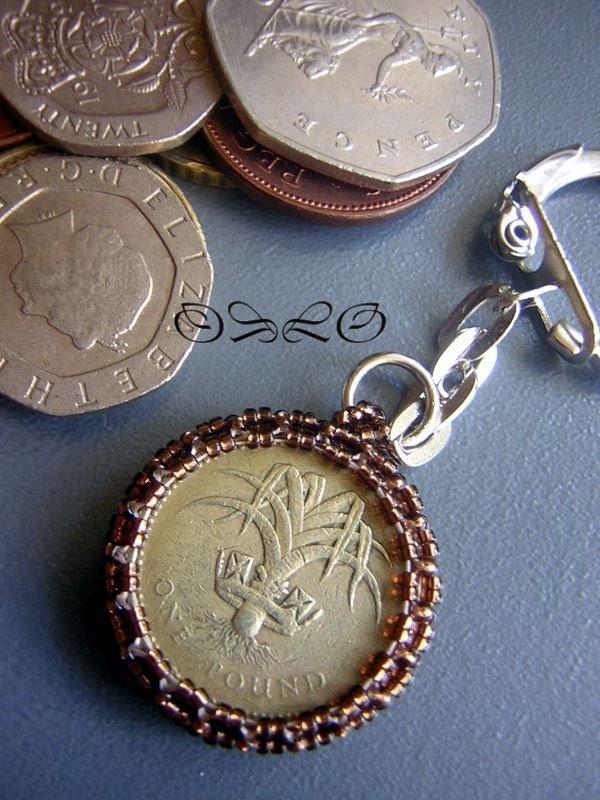 Брелок своими руками из монеты 94