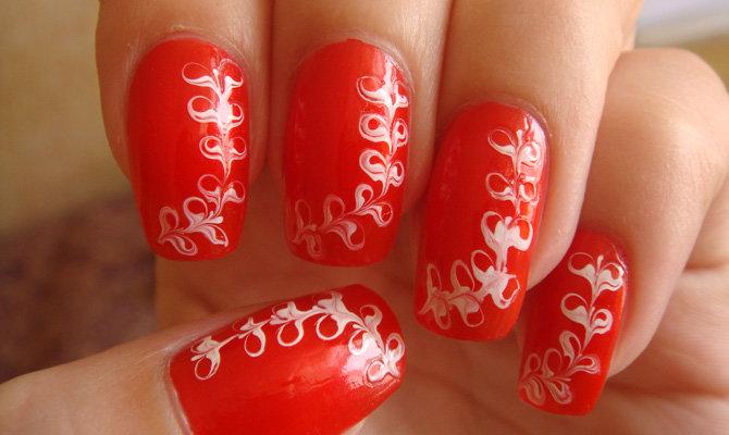 Рисунки на ногтях красный фон