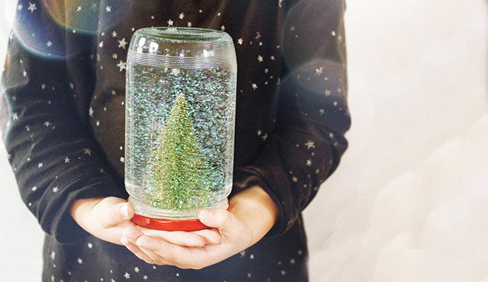 Как сделать новогодние снег своими руками 34
