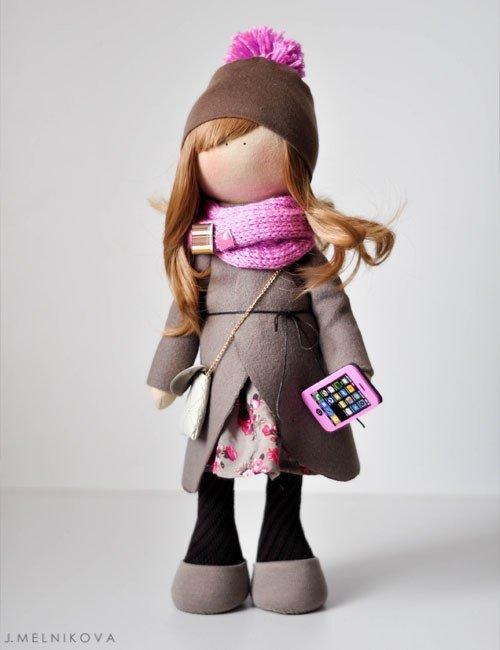 Модная текстильная кукла со смартфоном - карточка от пользователя rizhckov2017 в Яндекс.Коллекциях