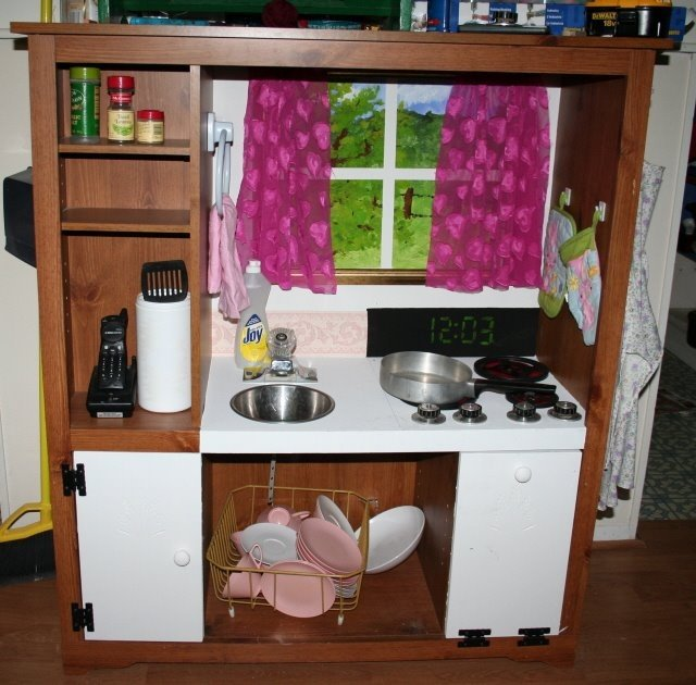 Детская кухня своими руками очень простая конструкция 37
