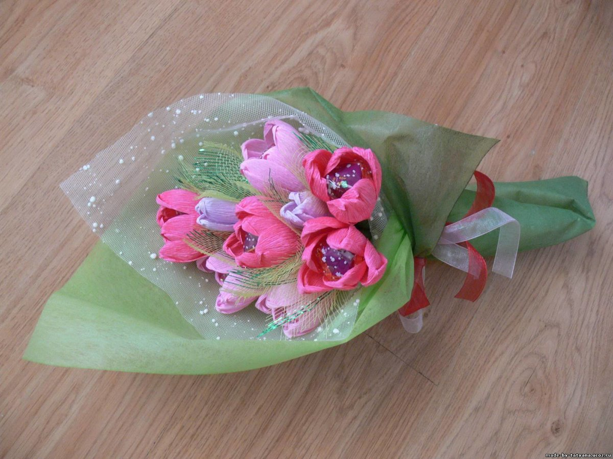 Упаковка цветов гофрированной бумагой фото