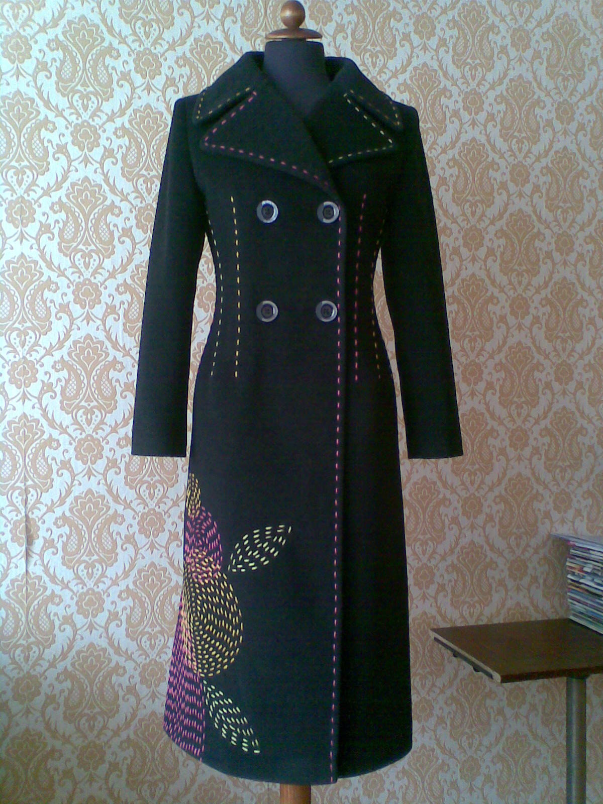 Обновляем старое пальто своими руками