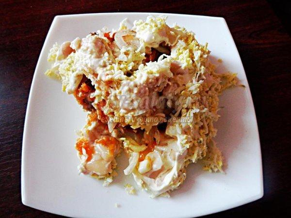 Салат слоеный с консервами рецепт с
